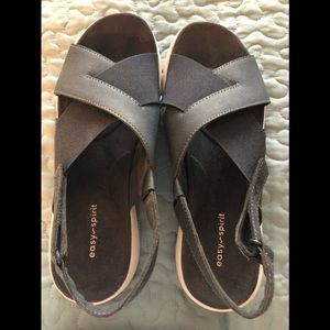 Shoes - Easy Spirit Sandals. Size 9. Navy
